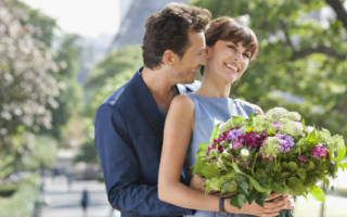 Сон мужчина дарит цветы
