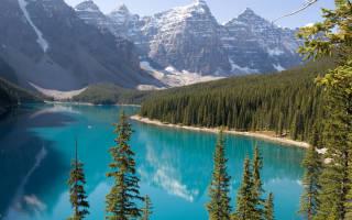Сон озеро с прозрачной водой
